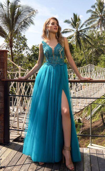 Яркое вечернее платье в пол
