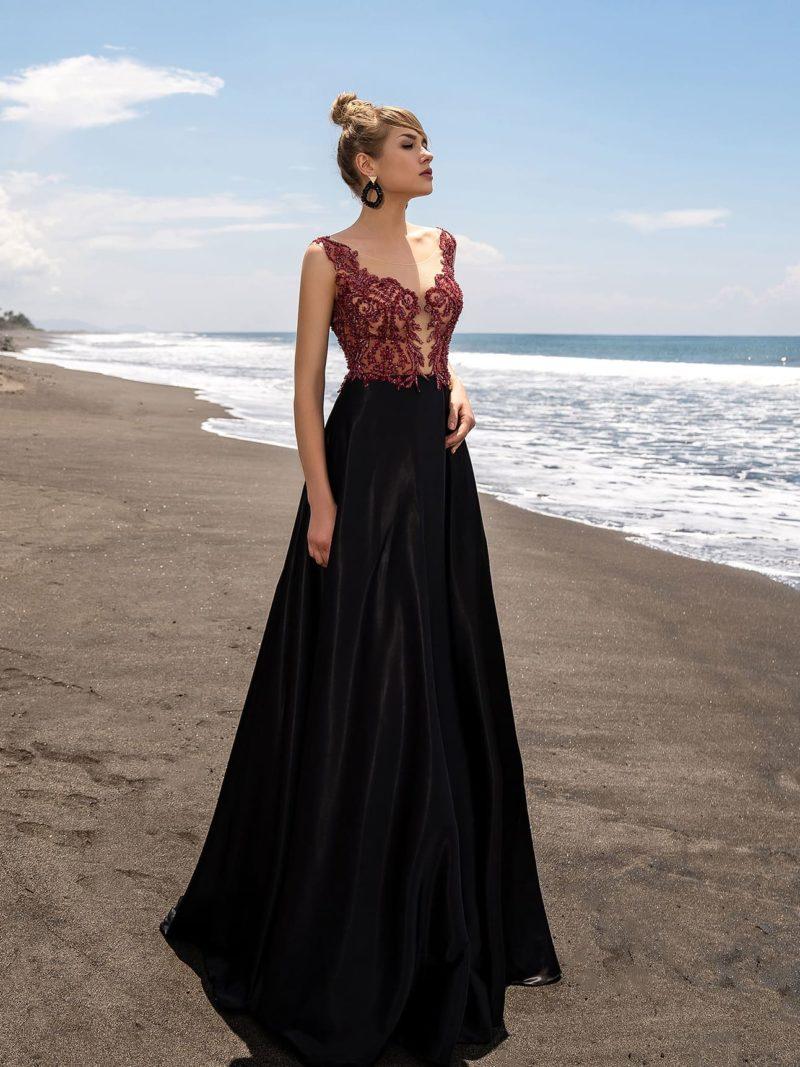 Вечернее платье в пол с изысканным сочетанием оттенков