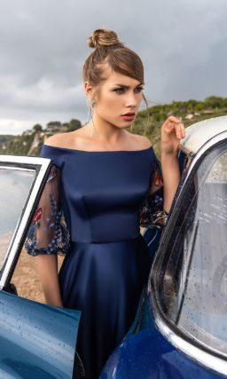 Выпускное платье с расклешенной юбкой
