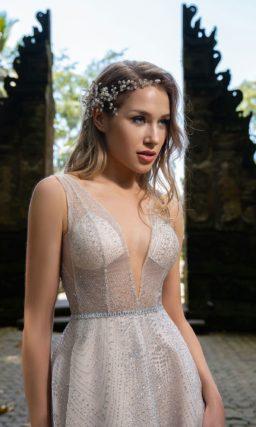 длинное платье нежного пудрового цвета