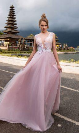 Длинное нежно-розовое платье