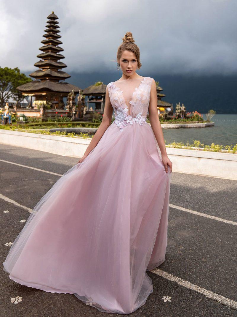 Длинное нежно-розовое вечернее платье