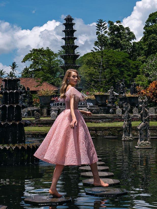 Коктейльное платье с пышной юбкой-солнце