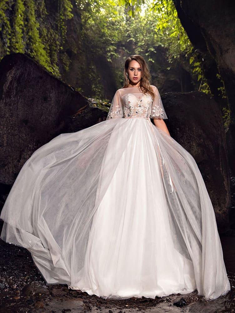 Длинное платье с фатиновой юбкой
