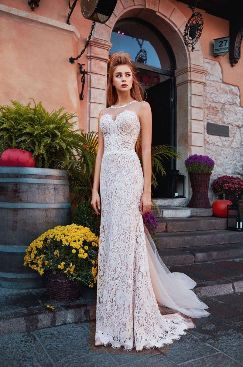 Кружевное свадебное платье-русалка пудрового оттенка