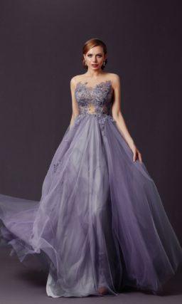 Пышное длинное вечернее платье
