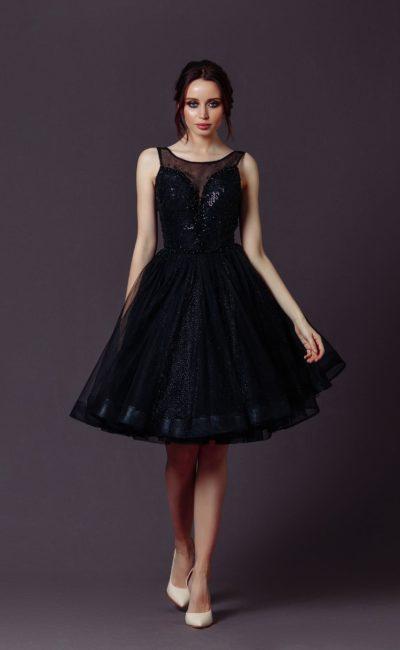 Черное коктейльное платье