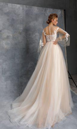 Пышное свадебное платье желтого оттенка