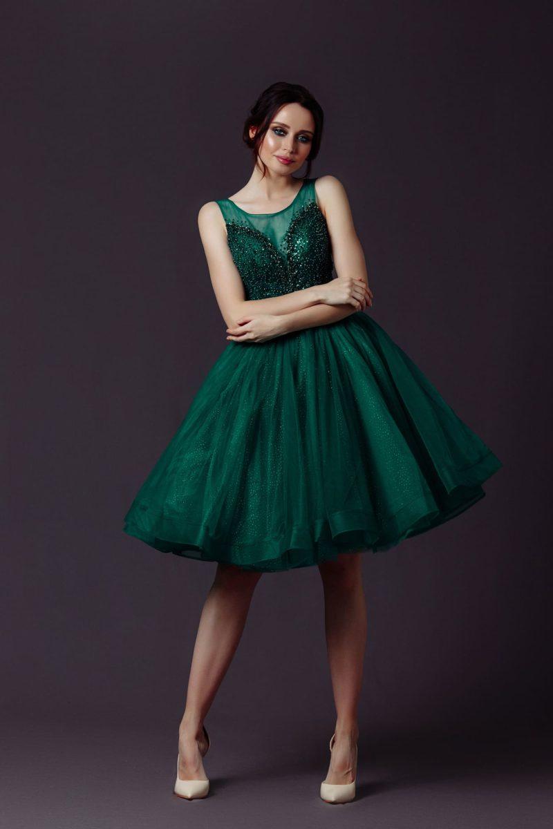 коктейльное платье с пышной фатиновой юбкой