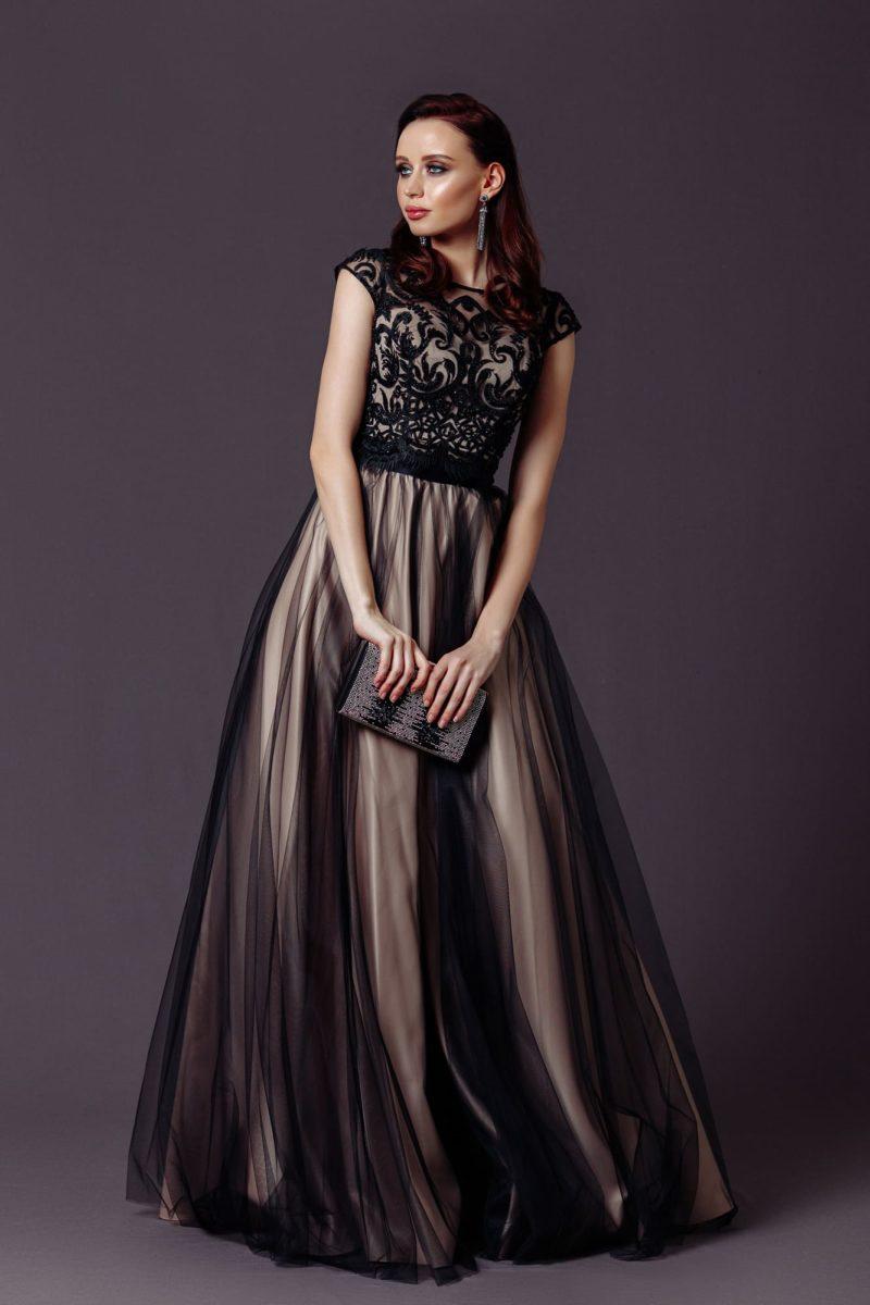Изысканное вечернее платье в пол