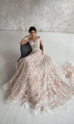 свадебное платье из роскошного кружева