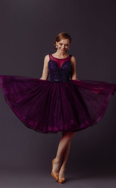 фиолетовое коктейльное платье
