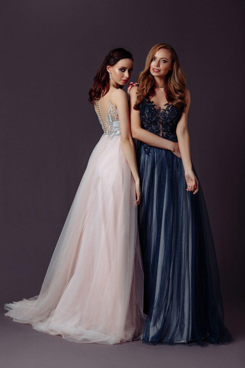 Длинное вечернее платье цвета розовой пудры