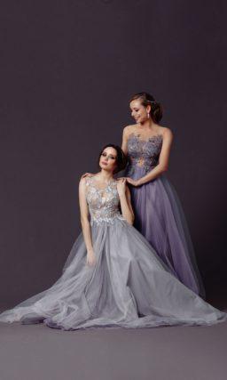 Платье в пол с юбкой серого цвета