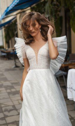 Легкое романтичное свадебное платье