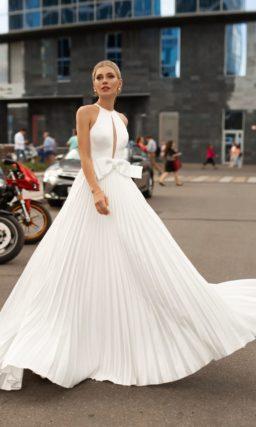 Аристократичное свадебное платье