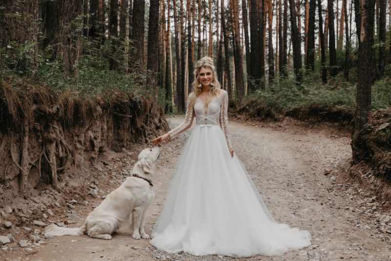 Женственное свадебное платье