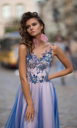 Голубое коктейльное платье