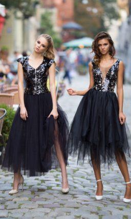 Коктейльное платье с юбкой черного цвета