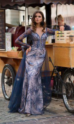 Синее платье с рукавом