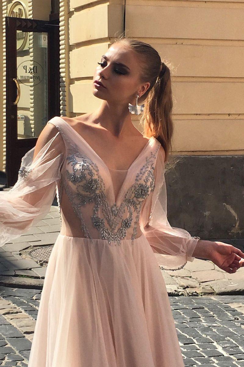 Легкое вечернее платье