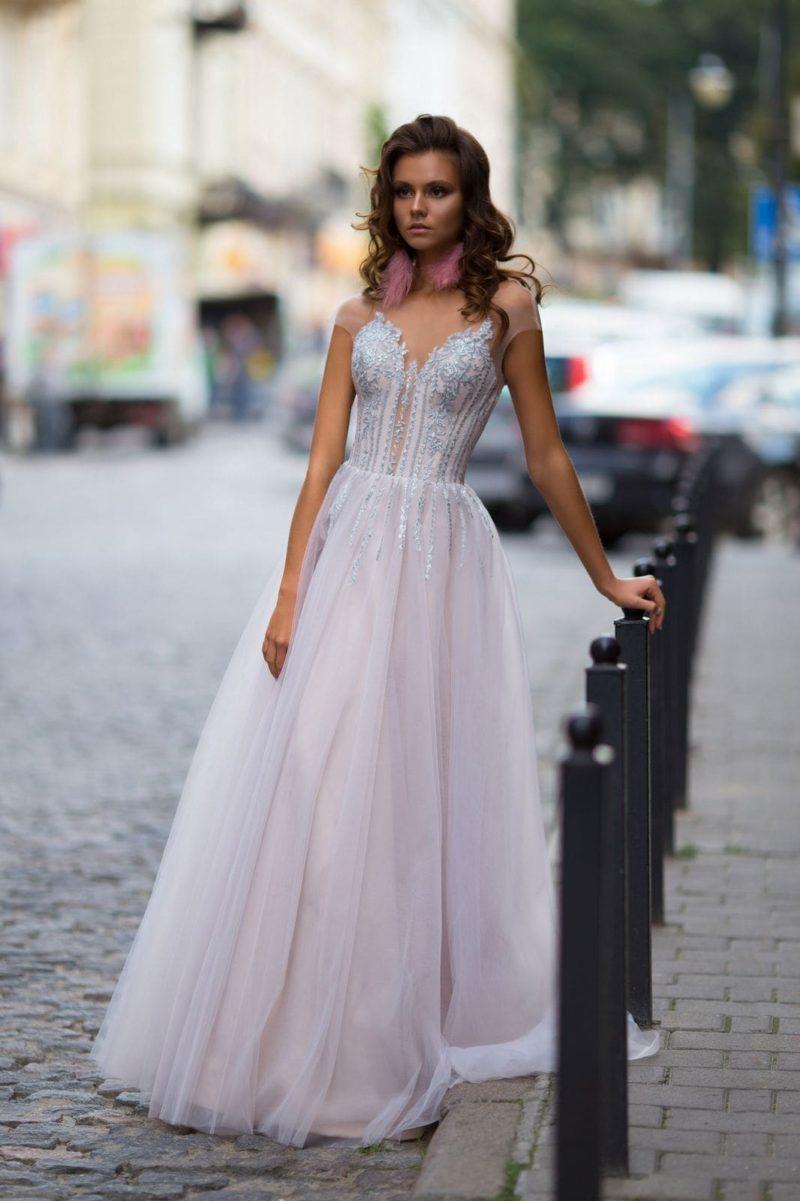 Вечернее платье зефирно-розового оттенка