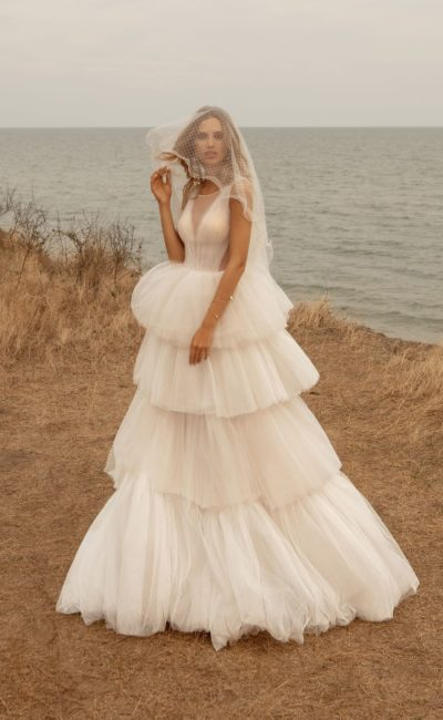 Пышное дизайнерское свадебное платье