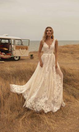 платье из тончайшего прозрачного кружева