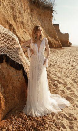 платье прямого кроя из фатина