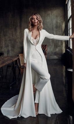 Женский свадебный брючный костюм