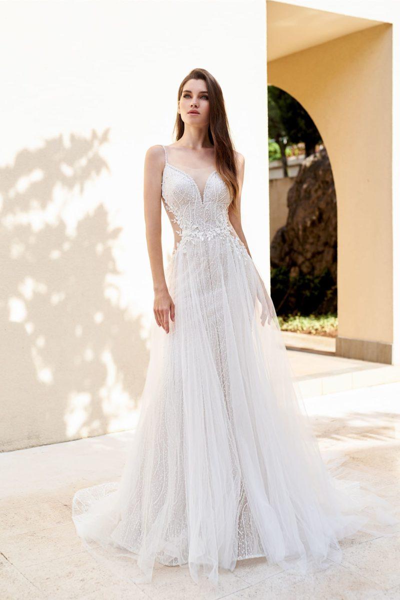 Чувственное открытое свадебное платье