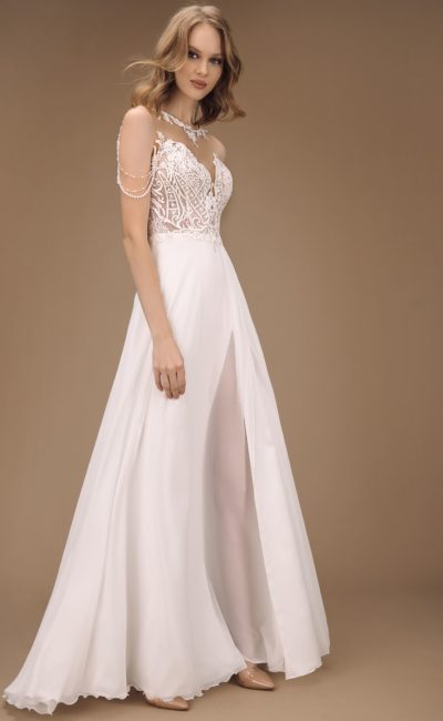 Приталенное свадебное платье с лаконичным кроем