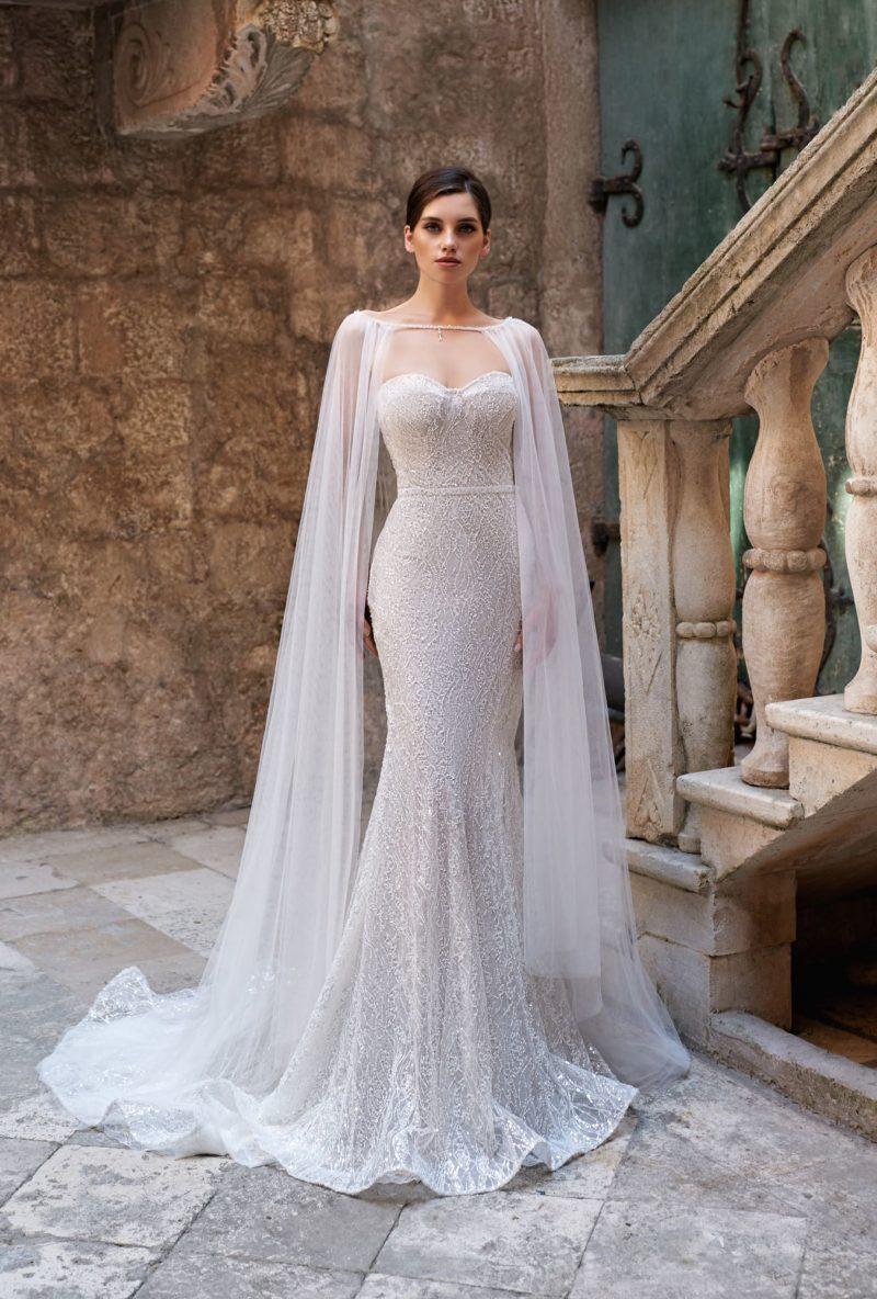 свадебное платье силуэта рыбка из ажурной ткани