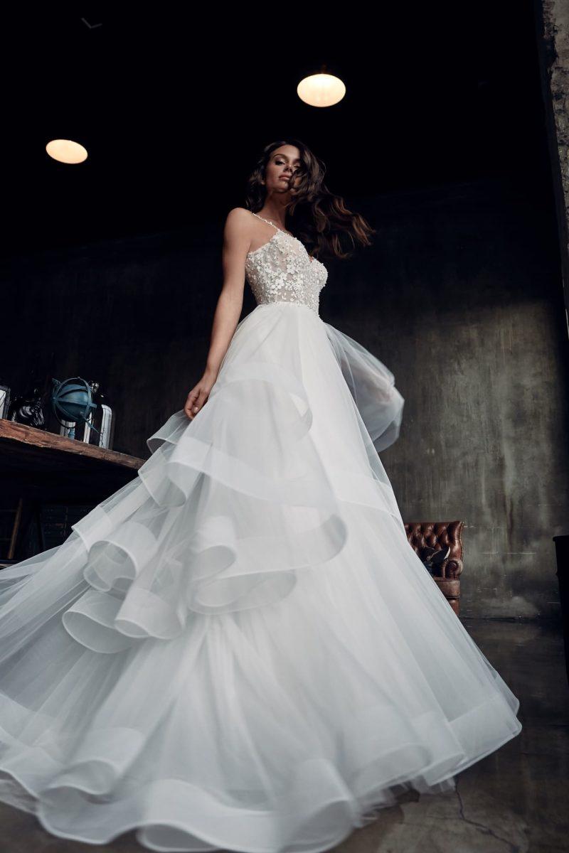 Нежное пышное свадебное платье