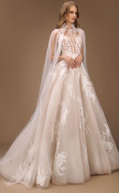 Пышное свадебное платье цвета айвори