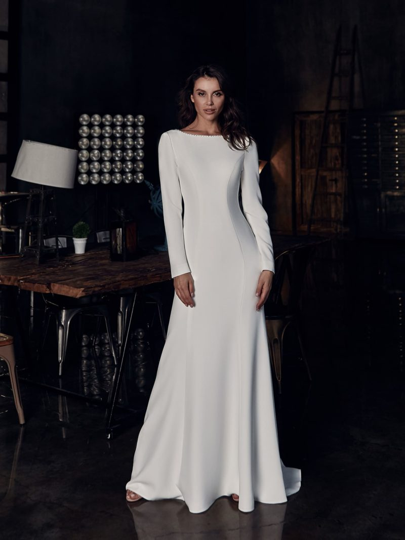 свадебное платье из белоснежного крепа