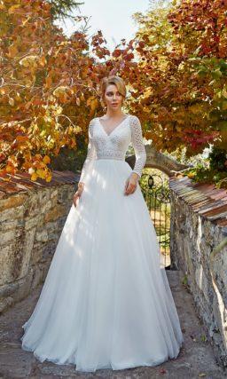 свадебное платье из белого фатина
