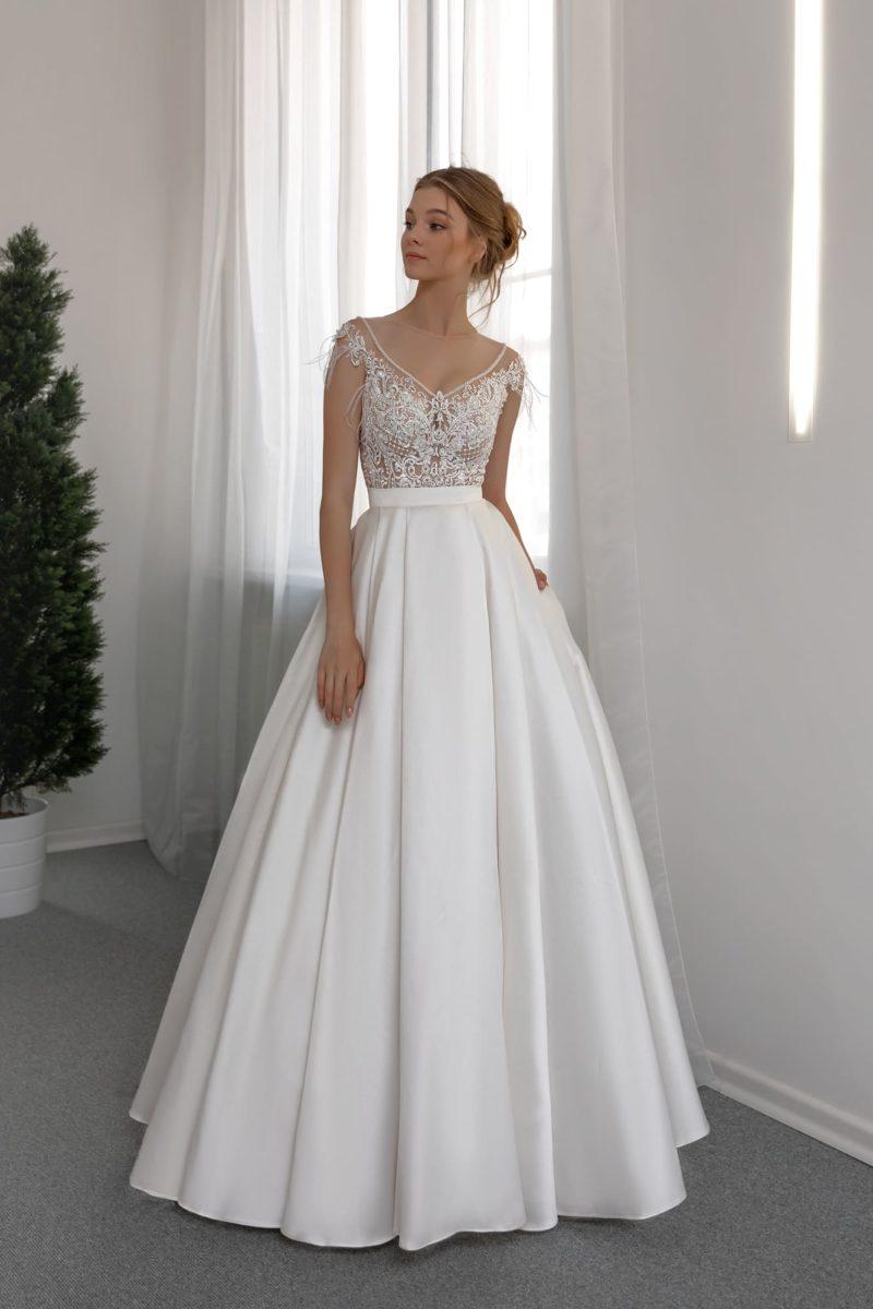 Пышное белоснежное свадебное платье