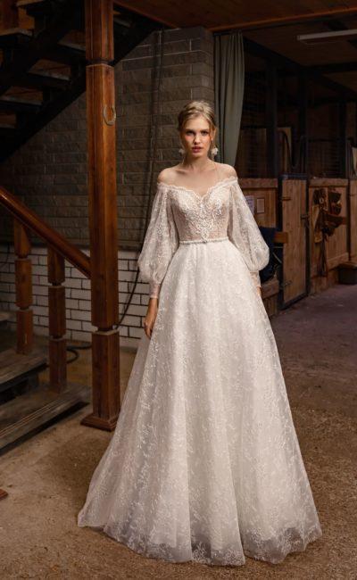Ажурное свадебное платье с рукавами в стиле ренессанс