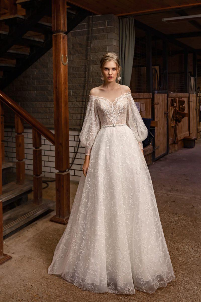Ажурное свадебное платье с рукавами