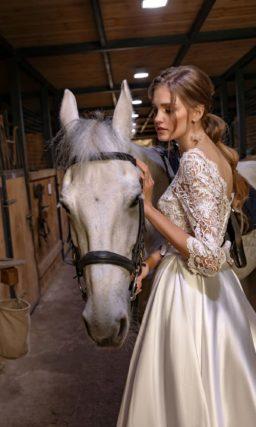 Короткое блестящее свадебное платье