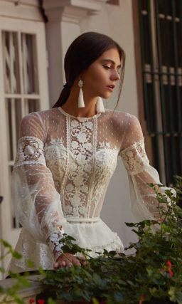 Платье с прозрачным ажурным верхом