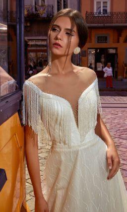 платье с трендовым декором