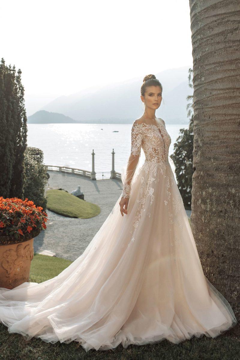 Cвадебное платье оттенка айвори