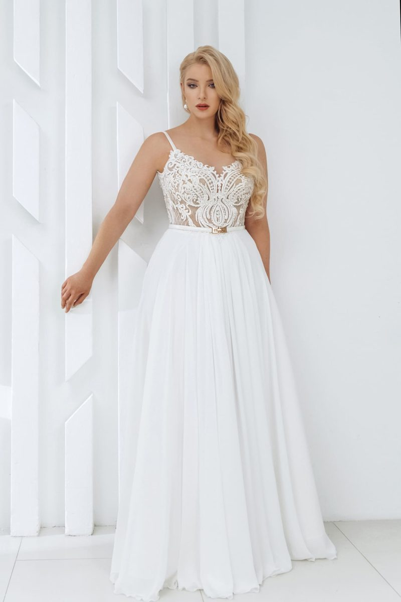 Легкое свадебное платье с юбкой в греческом стиле