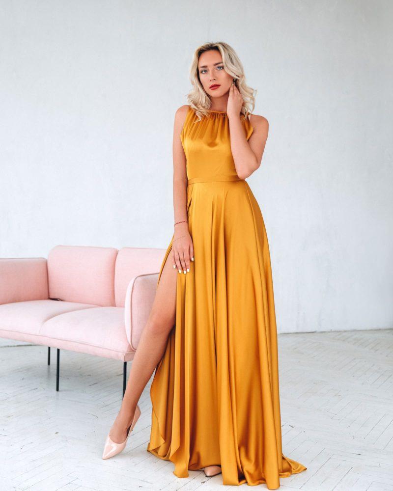 Вечернее желтое платье в пол