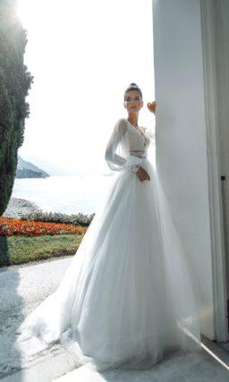 Свадебное платье с рукавами в стиле ренессанс