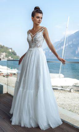 платье из тонкого кружева