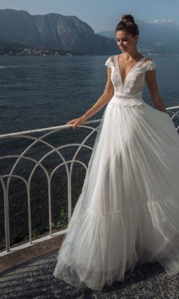 Cвадебное платье с воздушной юбкой