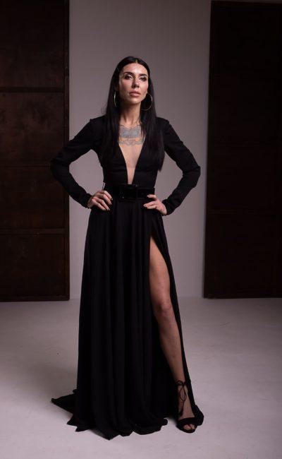 Вечернее платье из плотного черного крепа